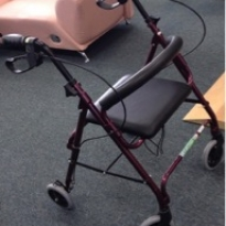 Mobile walking frame with seat
